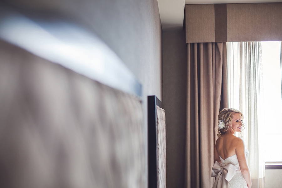 acclaim hotel calgary wedding bride getting ready