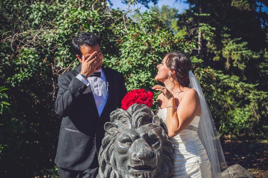 international wedding calgary zoo bride with lion groom facepalm