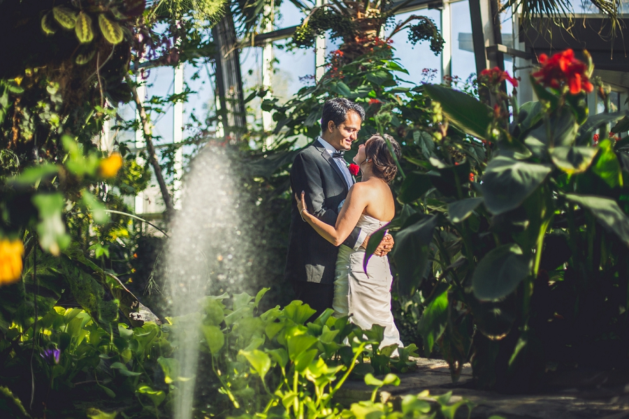 calgary zoo wedding bride groom water fountain