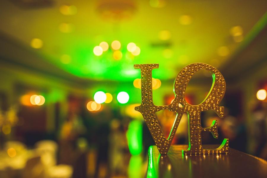 love sign fairmont palliser calgary wedding reception