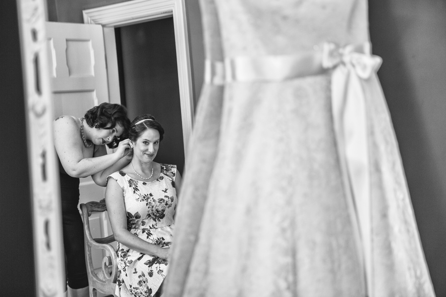 Bow Valley Ranche Restaurant Calgary Wedding bride getting ready