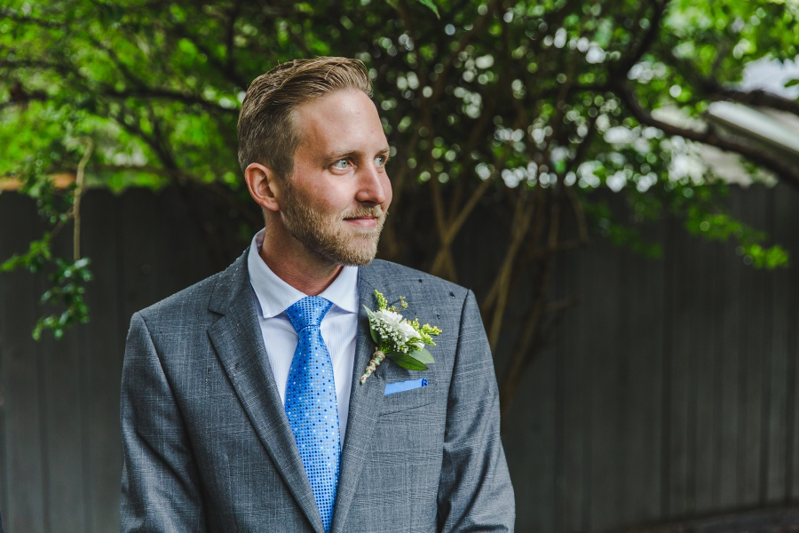 calgary backyard wedding groom waiting on bride