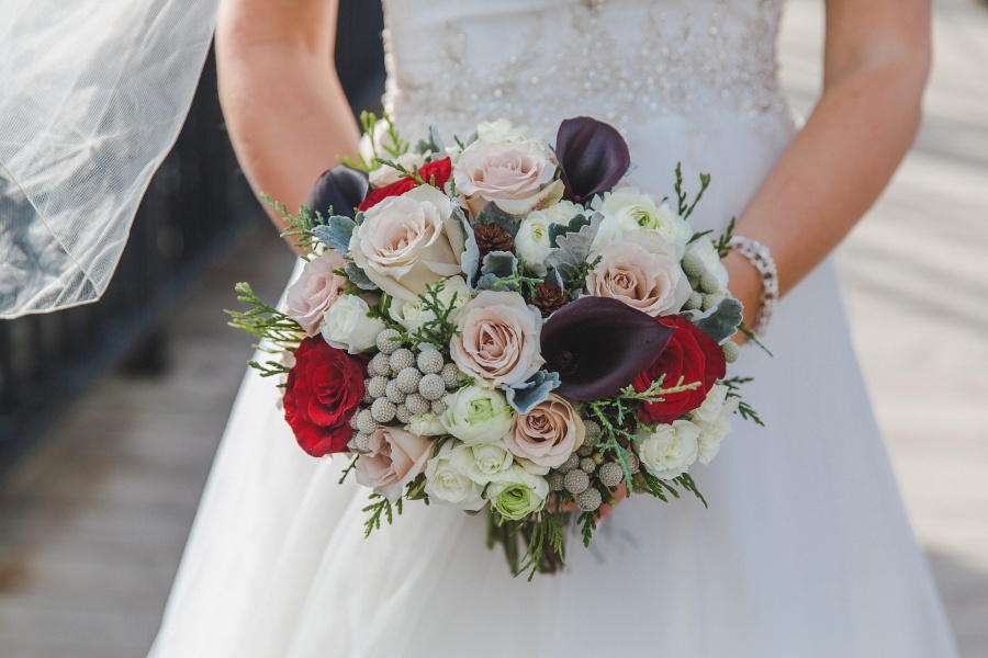 Winter Mountain Canmore Wedding winter bouquet roses