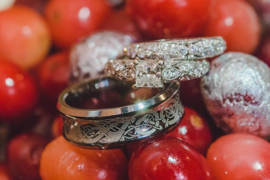Winter Mountain Canmore Wedding Silvertip Resort celtic wedding rings bands