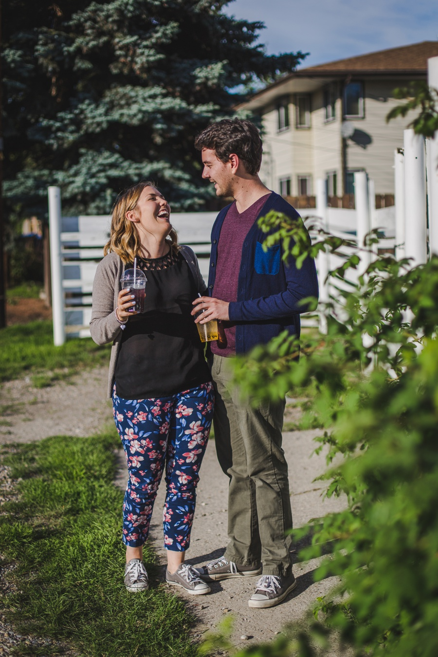 calgary-summer-engagement-photos-03