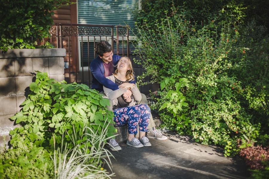 calgary-summer-engagement-photos-04