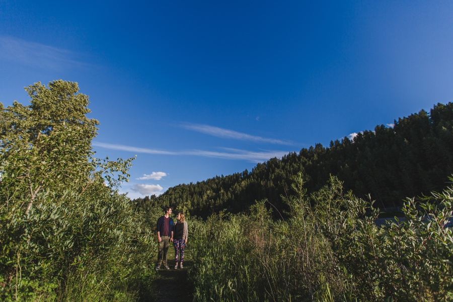 calgary-summer-engagement-photos-10