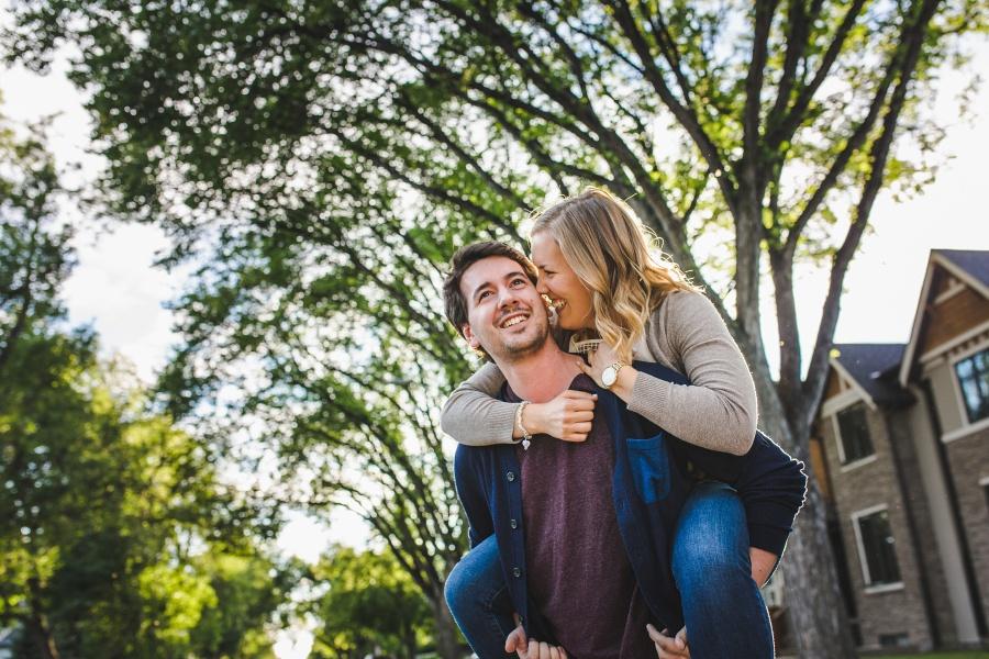 calgary-summer-engagement-photos-15