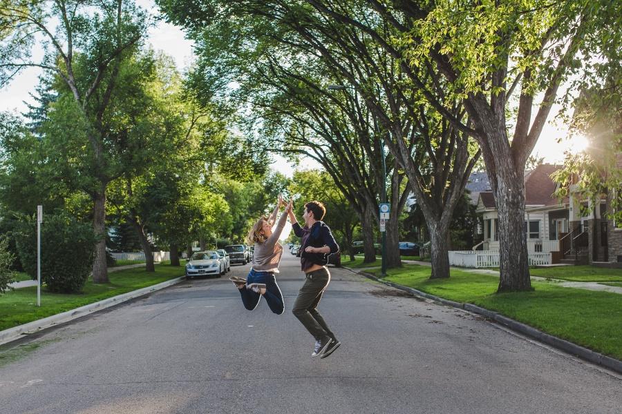 calgary-summer-engagement-photos-17