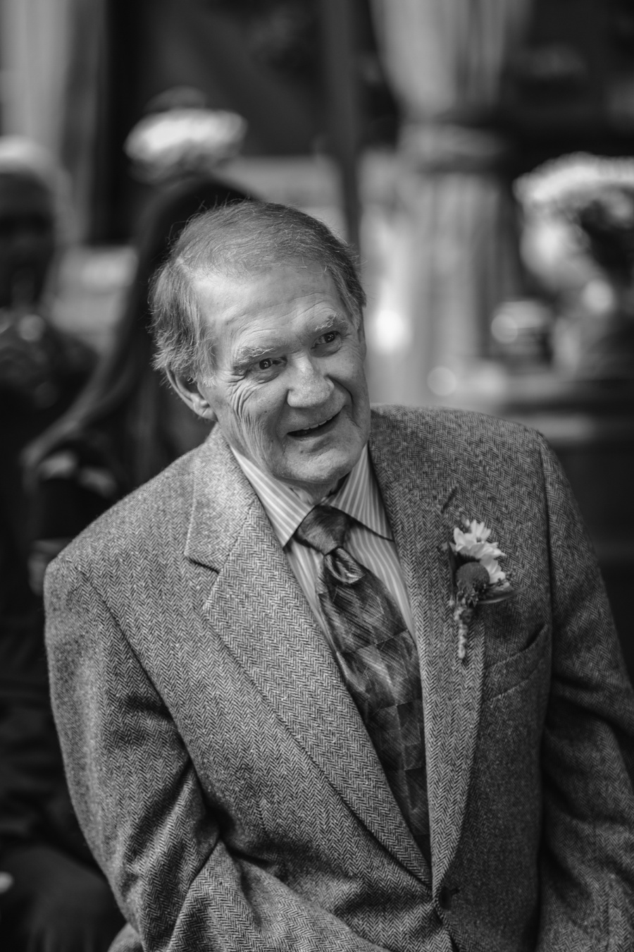 groom's dad smiling calgary backyard wedding