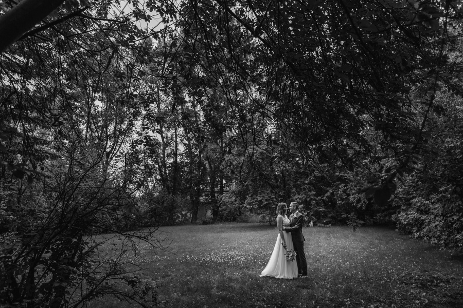 calgary backyard wedding black and white trees