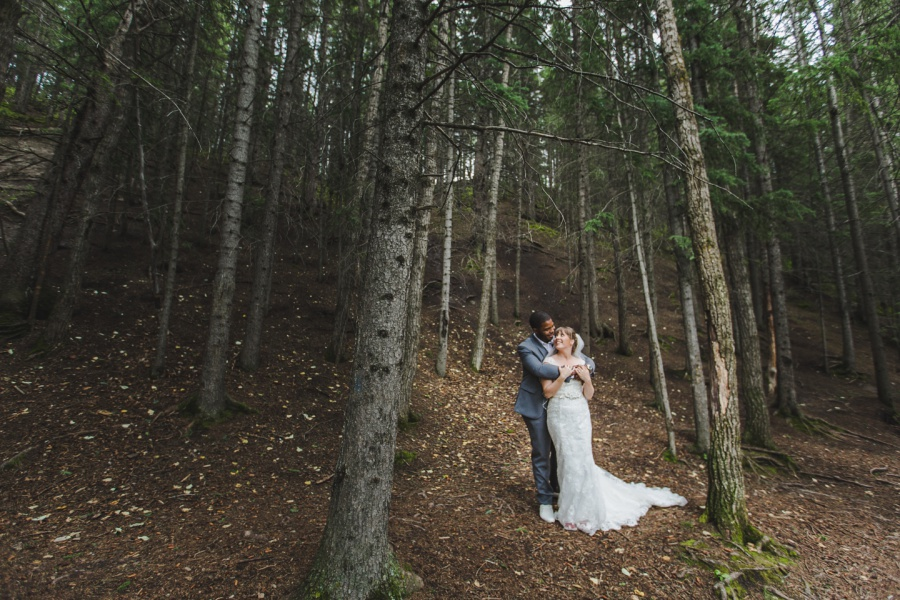 grandfather tree cochrane ranchehouse wedding calgary bride groom