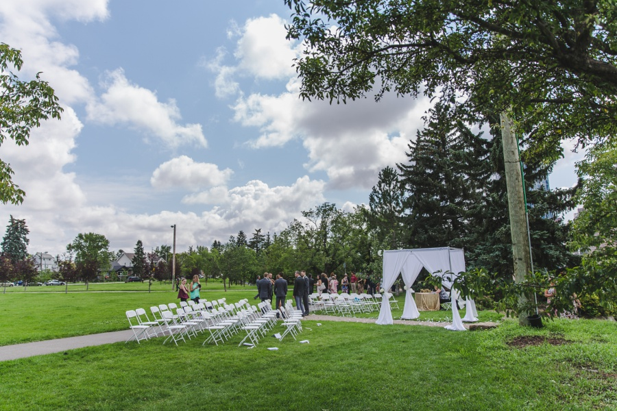 calgary wedding in rotary park skyview