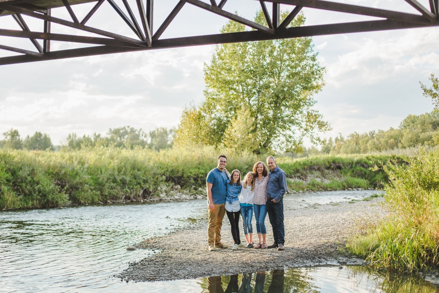calgary fish creek park family photos summer sunset