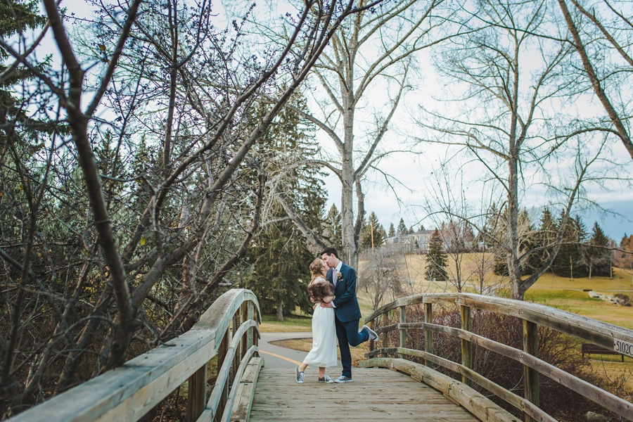 calgary wedding photographers winter wedding bridge confederation park