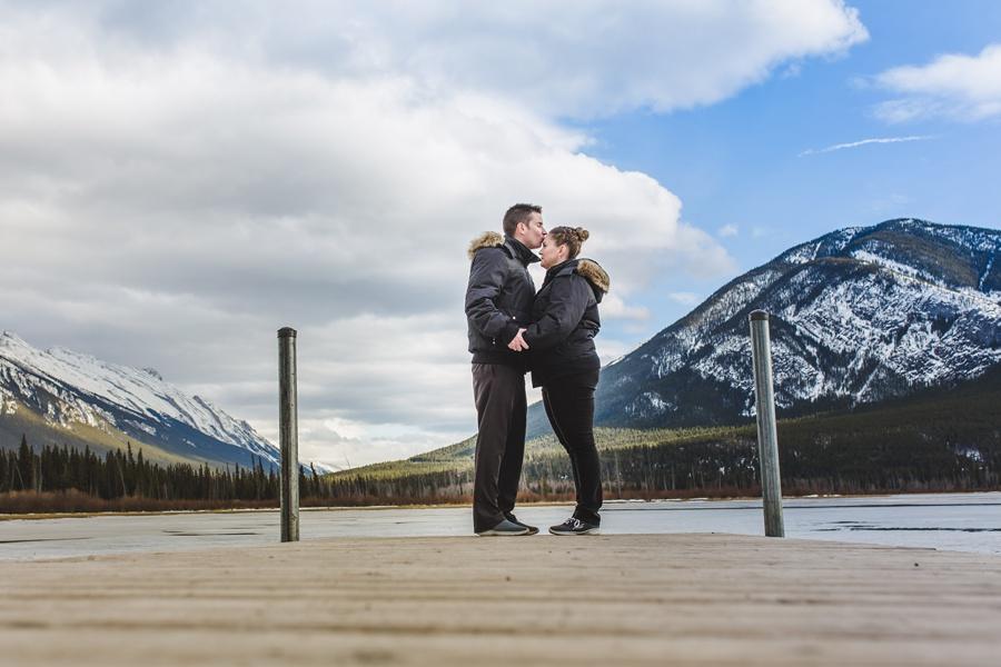 banff springs engagement photos vermillion lakes couple kissing