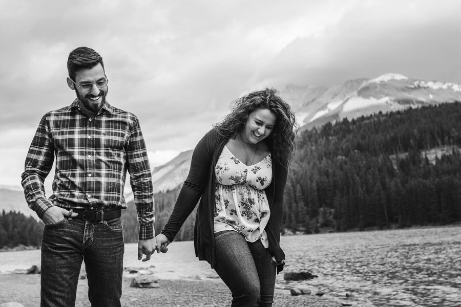 banff lake minnewanka boat rental engagement photos fall autumn mount norquay