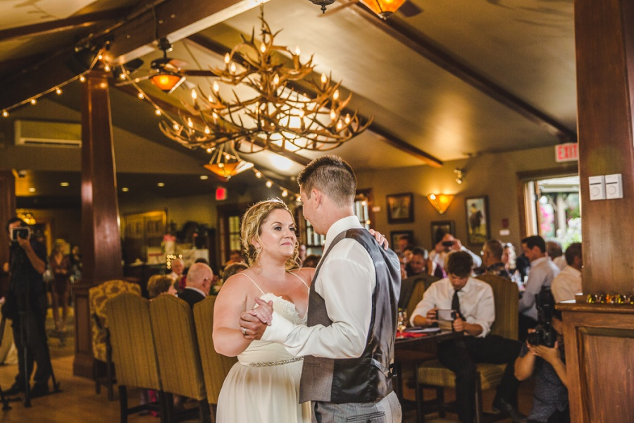 calgary ranche restaurant wedding photographer first dance