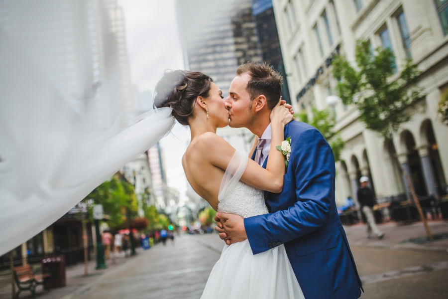 calgary downtown the bay wedding photo stephen ave