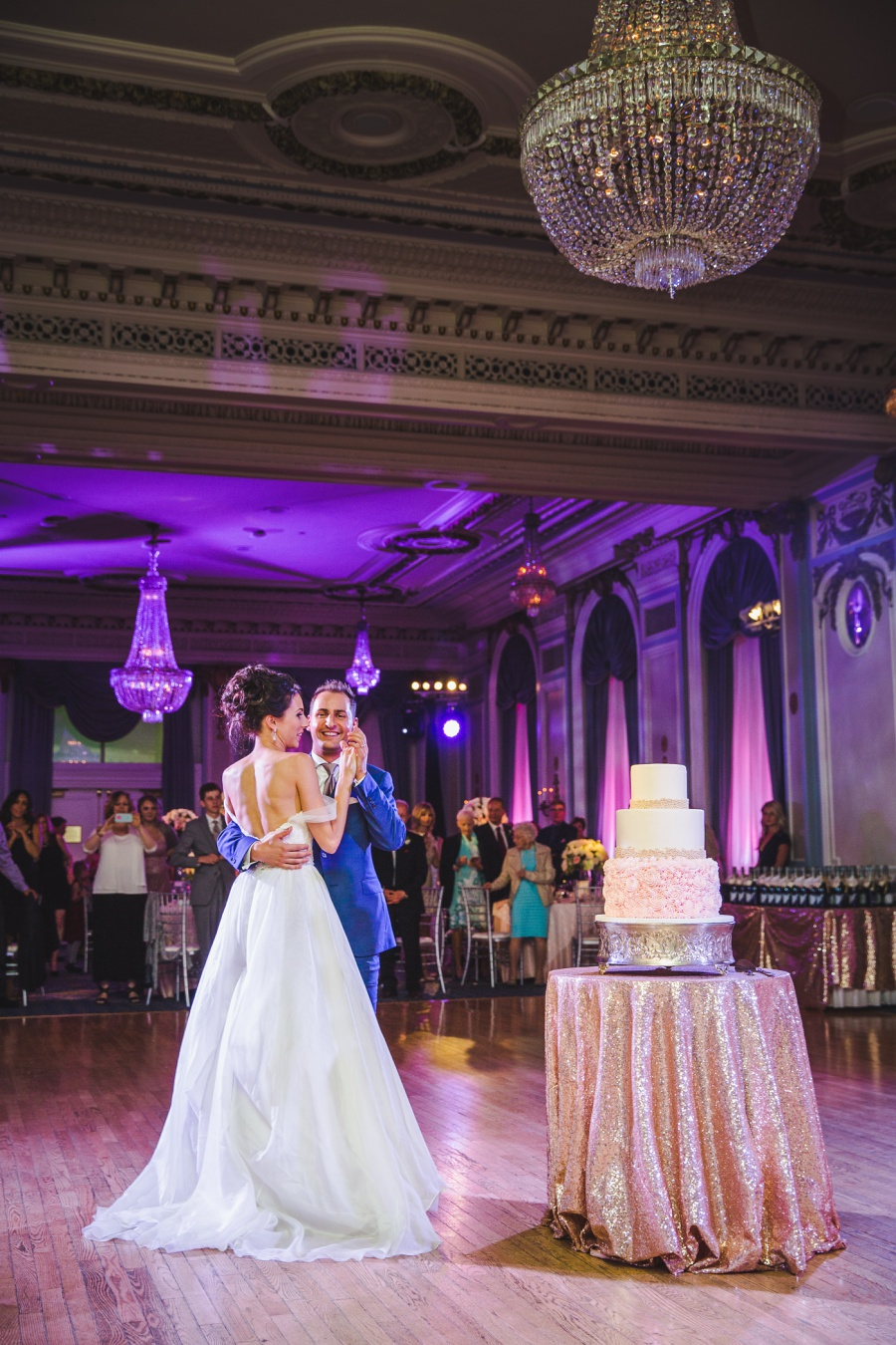 fairmont palliser calgary wedding first dance with cake