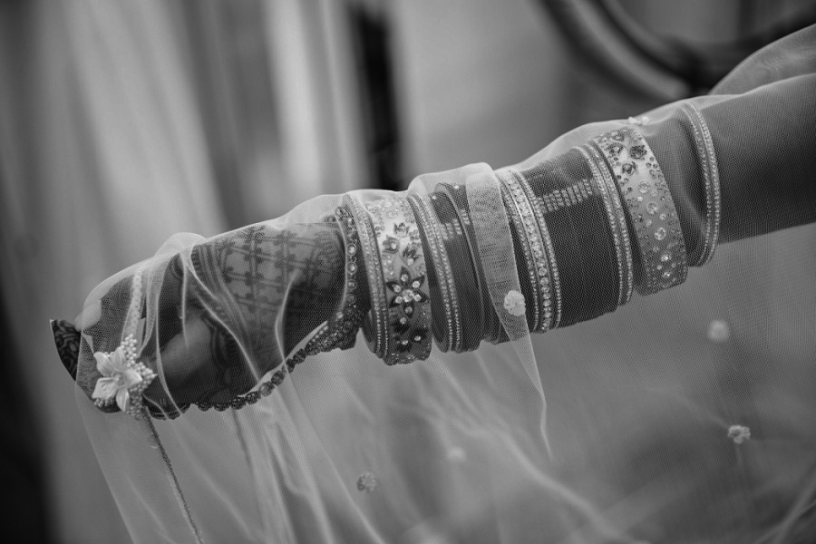 calgary sikh wedding zoo bangles and veil bride