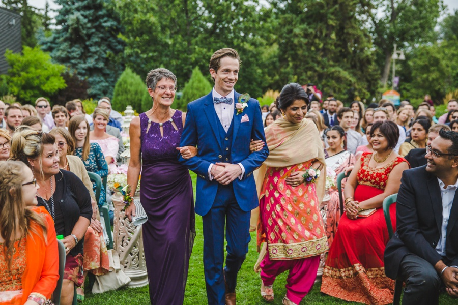 calgary sikh wedding zoo groom blue suit wedding sari