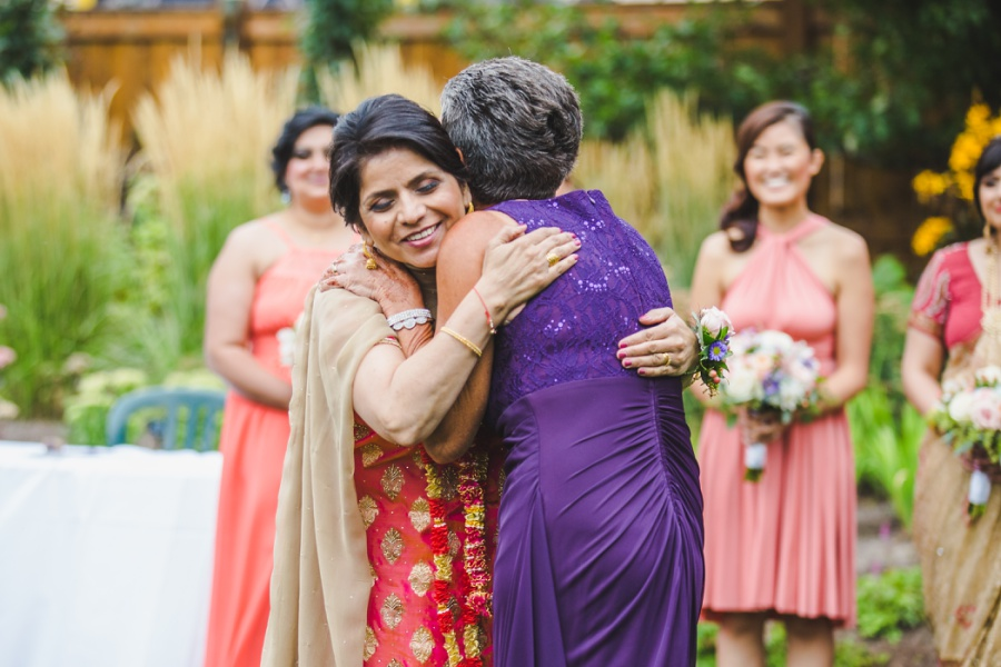 calgary sikh wedding zoo mothers hugging