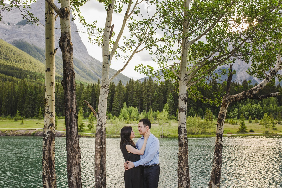 canmore quarry lake park engagement photos oak trees mountain