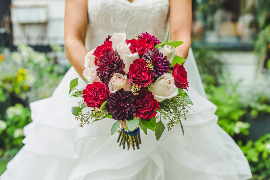 calgary summer wedding inglewood plant shop red roses dahlia white champagne rose bouquet