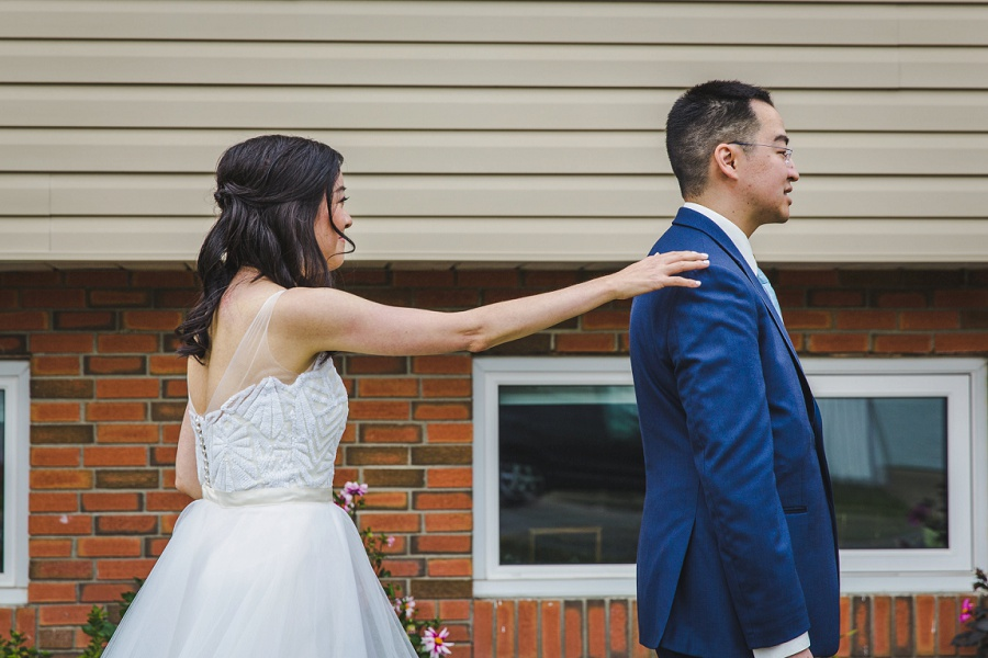 calgary chinese wedding photographers first look outside home