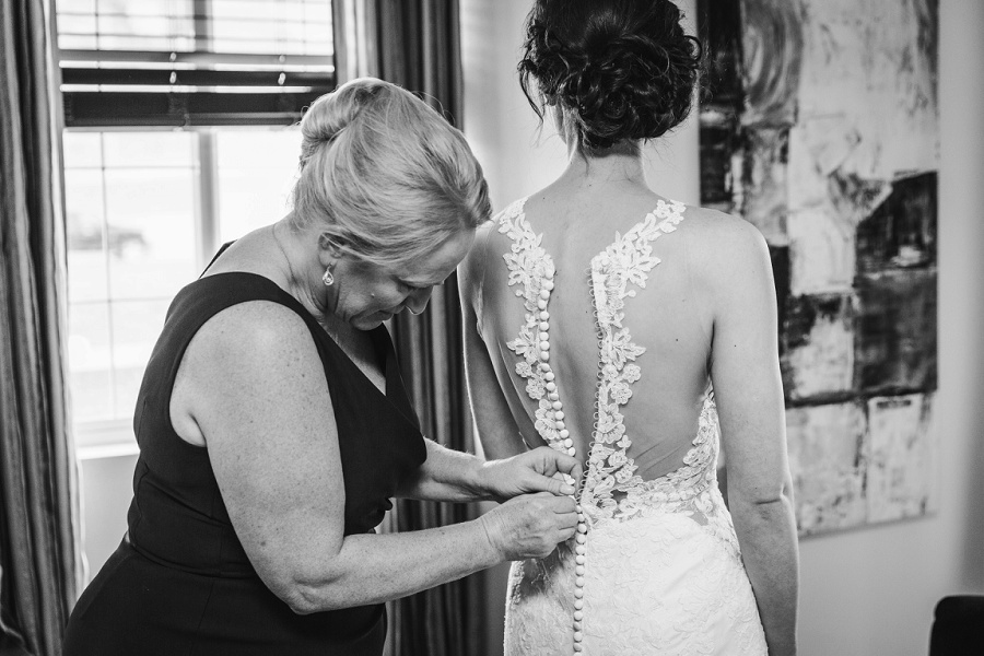 calgary wedding photographer bride mother dress