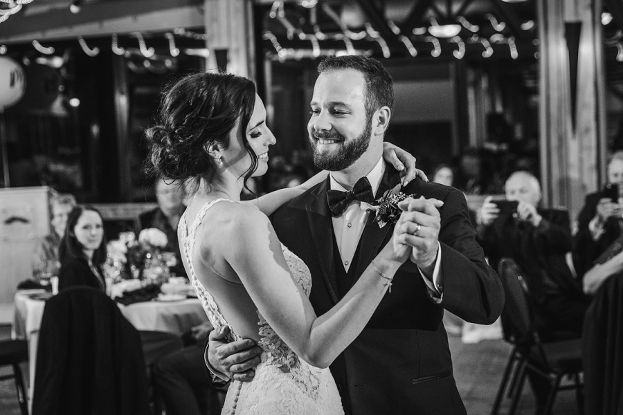 calgary pinebrook golf and country club wedding first dance